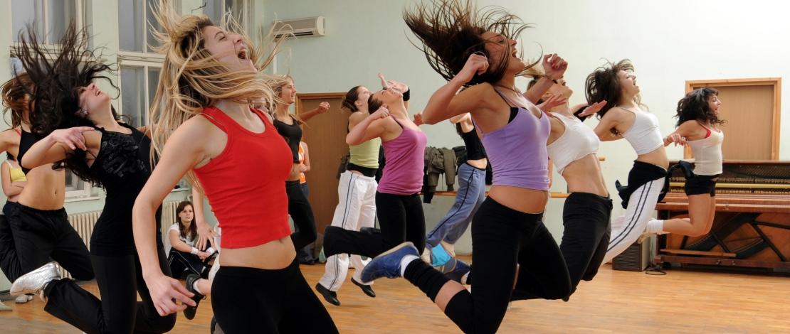 Зумба фитнес: что это и в чем польза?