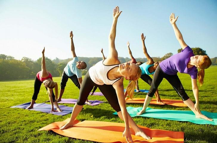 Особенности занятия фитнесом летом на открытом воздухе